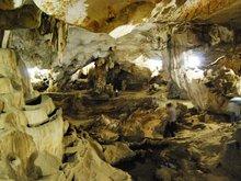 Son Moc Huong Cave