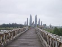 Ben Hai River - Hien Luong Bridge