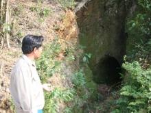 Van La Underground Tunnel