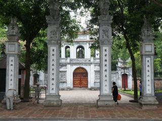 Hue - Hanoi (B, L)