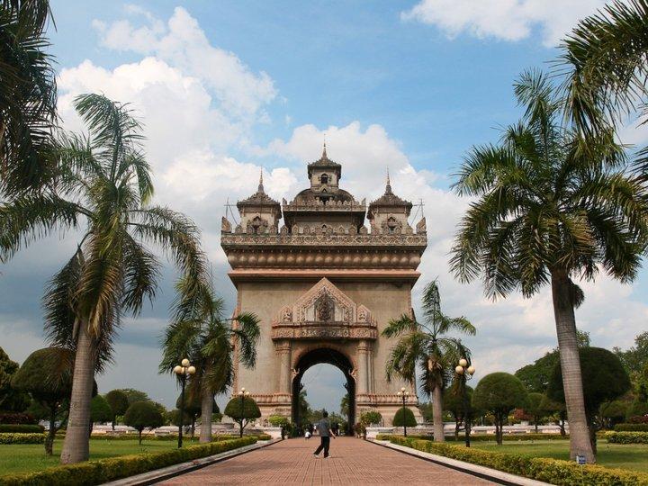 Patuxai Victory Monument