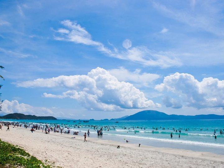 Tra Co Beach