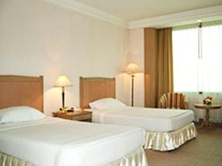 Royal Park View Hotel