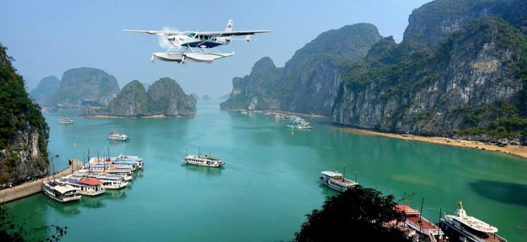halong_bay_tour_seaplane_0.jpg
